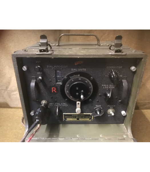 MILITARY PROP HIRE - WW2 radio wave finder with mike and headset