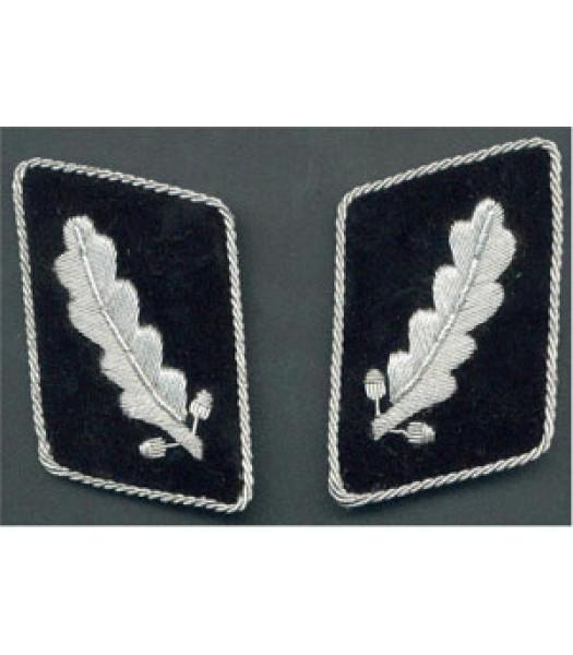 SS Standartenfuhrer 1st version collar tabs