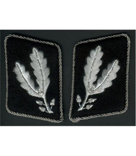 SS Oberfuhrer 1st version collar tabs