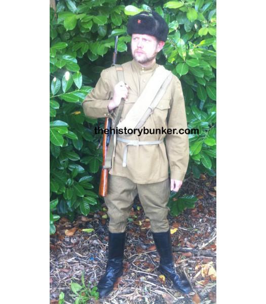 WW2 Soviet Red Army enlisted man uniform in battle